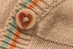button (Marco Di Ferrante) Tags: buttonsandbows macromondays bottone cuoricino heart button
