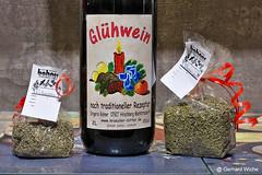Glühwein aus Hirschberg (GerWi) Tags: kräuterliköre kräuter glühwein gewürze stillleben getränke