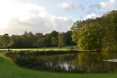 Fin de journée au bout de l'étang du château
