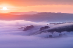 Peveril Castle sunrise (John Finney) Tags: peverilcastle castleton peakdistrict england sunrise golden glow sun fog ruin fort medieval derbyshire