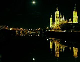 Reflejos en el río