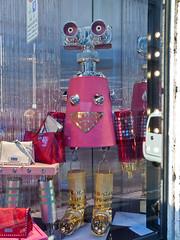 Shopping-Tour # 5 (schreibtnix on 'n off) Tags: reisen travelling italien italy mailand milan schaufenster shopwindow einkaufen shopping mode fashion einkaufsbummel shoppingtour olympuse5 schreibtnix