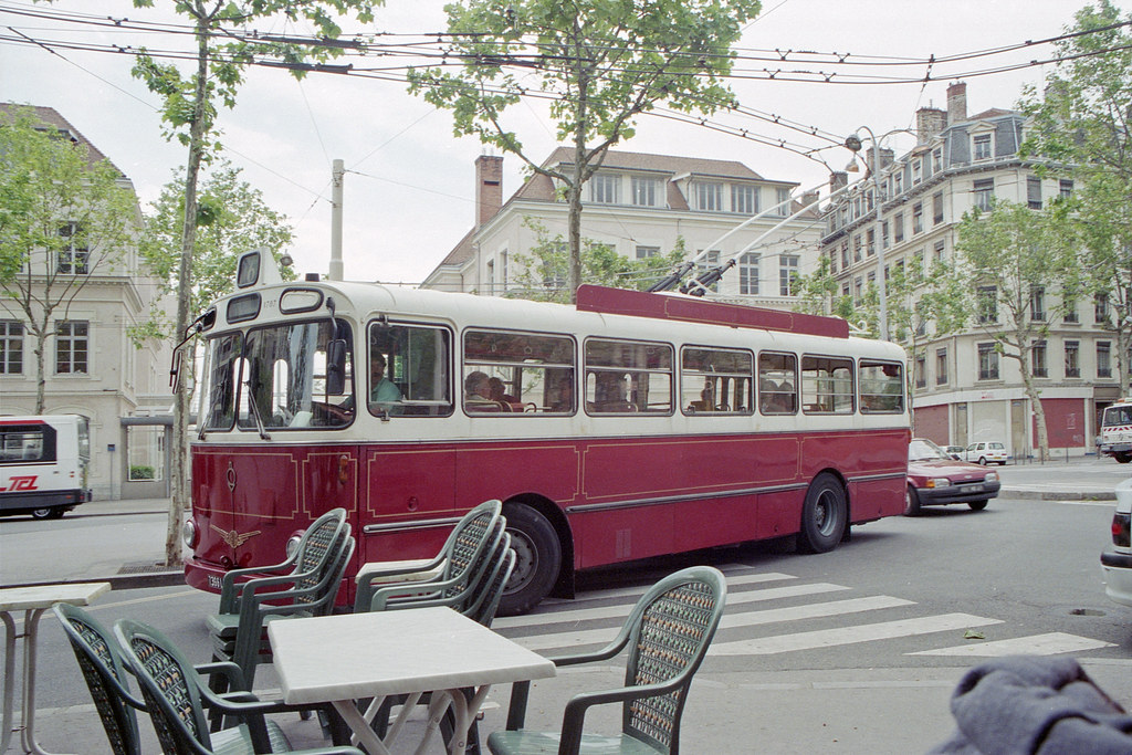 the world 39 s best photos of france and trolleybus flickr hive mind. Black Bedroom Furniture Sets. Home Design Ideas