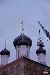 33. Установка крестов на храм святых мучениц 15.12.2014