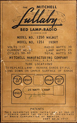 The Mitchell LULLABY Bed Lamp-Radio, Model 1250, Circa 1949, Made in USA by MITCHELL MANUFACTURING COMPANY. (José Gustavo Sánchez González) Tags: gustavo josegustavo transistorradio tube tuberadios lullaby bed lampradio usa
