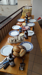 Petit déjeuner typique de la Bavière avec Weißwurst et Weißbier ! (Πichael C.) Tags: euroadtrip 2017 stuttgart wasen bad cannstatt oktoberfest volkfest beer bière fête party vacances holidays petit déjeuner typique de la bavière avec weiswurst et weisbier cannstatter volksfest