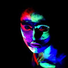 Art Portrait (Helmut Stegmann) Tags: portret portrait porträt porträtt frau art farbe bunt colorfull color welikeit germany deutschland mädchen woman girl face gesicht nikond750 d750 sigma105mm128dgmacrohsm sigma bodypainting blaulicht