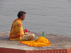 varanasi 2017 (gerben more) Tags: prayer meditation man beard stubbles varanasi benares india ganges ganga yellow