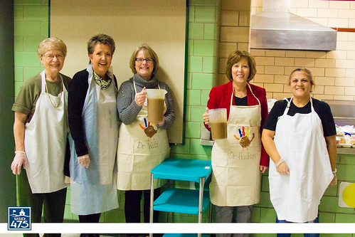 "2017 Lincoln Serves Thanksgiving Meal • <a style=""font-size:0.8em;"" href=""http://www.flickr.com/photos/150790682@N02/37830345894/"" target=""_blank"">View on Flickr</a>"