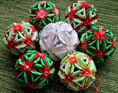Smile on Saturday - Xmas Deco (Ramunė Vakarė) Tags: smileonsaturday xmasdeco origami kusudama paper ball mywork lithuania eičiai ramunėvakarė