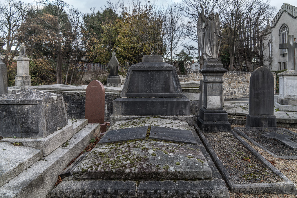 MOUNT JEROME CEMETERY IS AN INTERESTING PLACE TO VISIT [IT CLOSES AT 4PM]-134268