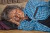 il meritato riposo (mat56.) Tags: ritratto ritratti portrait portraits donna woman vecchia old persone people etnia ethnicity banmong thailandia thailand asia sonno dormire sleep tosleep riposo rest antonio romei mat56