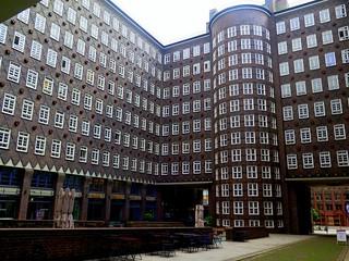 Hamburg: The inner courtyard of Sprinkenhof building by Hans & Oskar Gerson (1925-1927)