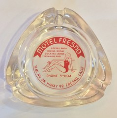 MOTEL FRESNO FRESNO CALIF. (ussiwojima) Tags: motelfresno motel girlie fresno california glass advertising ashtray