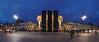 monuments (FH | Photography) Tags: berlin brandenburgertor mitte zentrum panorama blauestunde pano abends city stadt kunstwerk kontrovers monument busse aleppo bürgerkrieg is syrien platz des 18 märz deutschland sehenswürdigkeit kunstaktion gorkitheater manaf halbouni