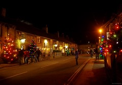 castleton derbyshire 2017 christmas lights switch on  (8) (Simon Dell Photography) Tags: castleton derbyshire countryside peak district simon dell photography autumn winter 2017 old english village christmas lights switch november street xmas tree decorations church peveril castle river house town main night time dark shops pubs bulls head castlet inn george