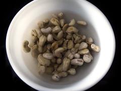 Soaking raw cashews