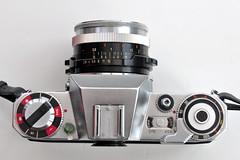 Icarex 35 S (pho-Tony) Tags: photosofcameras icarex 35 s icarex35s 35mm film zeiss ikon voigtlander zeissikonvoigtlander zeissikon tessar 28 f28 2850 50mm slr madeingermany german