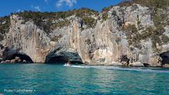 Grotte del Bue Marino(Cala Gonone)Sardergna-Italia (johnfranky_t) Tags: grotta buemarino motoscafo tirreno johnfranky t sardegna sardinia italy italia smeraldo cespugli
