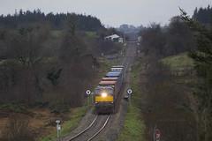 087 on Ballina-Northwall IWT liner east of Claremorris 05-Dec-17 (metrovick) Tags: irishrail iarnrodeireann ie071class ie087 iwtliner freighttrain containertrain emd emdexportloco jt22cw railroad railway railwaymayo