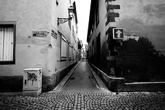 perdersi in una città francese (AF_Tiger) Tags: strasburgo street alley vicoli bw