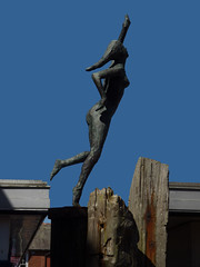 Tiny Dancer (Steve Taylor (Photography)) Tags: tinydancer eltonjohn dancing pointing tethys goddessofthesea fleurgray timber art sculpture carving statue metal bronze wood uk gb england greatbritain unitedkingdom margate