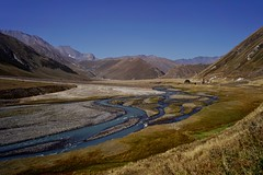 Kazbegi - vallée de Truso 18 (luco*) Tags: géorgie georgia haut caucase great caucasus kazbegi truso vallée valley montagnes mountains rivière river flickraward flickraward5 flickrawardgallery