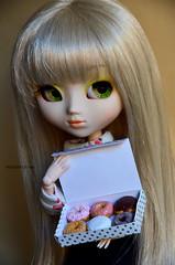 Do you want some? Part 2 | Pullip Paja (·Kumo~Milk·^^) Tags: pullip paja 2005 original hana obitsu doll junplanning groove eyelashes