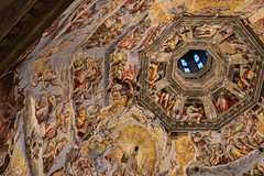 Under the Dome (Chiareeeh) Tags: canon eos 750d florence firenze italy brunelleschi vasari dome art