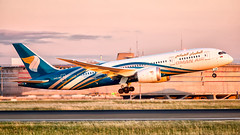 Oman Air Boeing 787-8 Dreamliner A40-SB (Ewout Pahud de Mortanges) Tags: dreamliner parijs paris omanair boeing aviation aircraft jet jetliner air airplane airliner airliners sky grass cockpit terminal