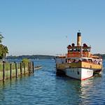 Prien am Chiemsee - Hafen (11) - Raddampfer »Ludwig Fessler« läuft in den Hafen von Prien ein thumbnail