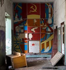 DSC00305 (I g o r ь) Tags: abandoned decay decayed rust urban forgotten lostplaces urbanexploration lenin ussr cccp sovietunion murals communism sonya7 sonyilce7 sozrealismus socialrealism