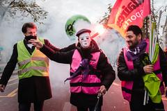Jour de grêve à Paris (Mika Lander) Tags: manifestation grêve paris motivation determination combat lois travail droit photographie reportage reporter fuji fujifilm x100t 23mm lutte salaire classe ouvrier fonctionnaire