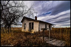 (CTfotomagik) Tags: abandoned decay rural neglected country weldcounty vacant colorado nikon 1020mm grass sky tree