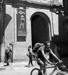 Santiago de  Compostela-Escena en la calle. Galicia.. (lameato feliz) Tags: santiagodecompostela ciclista street