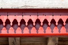 BASTIDE CLAIRENCE-104 (MMARCZYK) Tags: rouge pays basque france nouvelleaquitaine pyrénéesatlantiques bastideclairence 64 architecture vernaculaire colombage bastide navarre