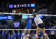 UW UCLA-FT4I0651 (Pacific Northwest Volleyball Photography) Tags: volleyball ncaa pac12 pac12vb uwhuskies washington ucla