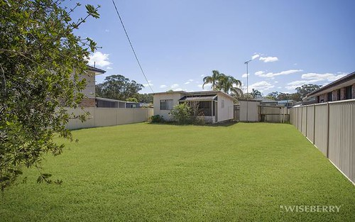 23 Kingsford Smith Dr, Berkeley Vale NSW 2261