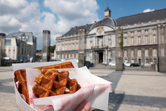 Liège (GenJapan1986) Tags: 2017 ベルギー リエージュ ワッフル 旅行 liège wallonie belgium travel fujifilmx70 food sweets