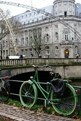 bike@Kö, Düsseldorf 36 (Amselchen) Tags: bike bicycle water bridge kö düsseldorf building bokeh dof depthoffield sony a7rii alpha7rm2 zeiss carlzeiss sonnart1855 sonnar5518za fe55mmf18za sonyilce7rm2