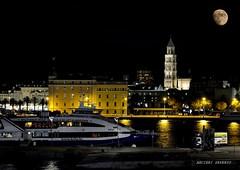 Split Croatia (Arcieri Saverio) Tags: spilt spalato croatia croazia moon night nikon lungaesposizione mare mer art luna torre luci light