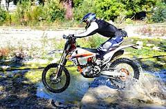 p1000358 (Uberto) Tags: uberto ube ubefoto campionato italiano enduro mcvarzi varzi italia italy moto offroad ktm honda extreme test water acqua dirtbike race