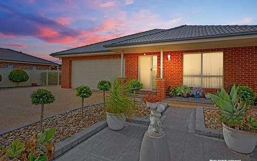 5 Hopbush Cr, Griffith NSW 2680