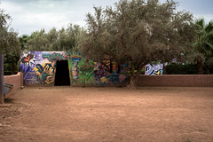 graffiti - tats cru - garden @ jardin rouge, marrakesh (urbanpresents.net) Tags: garden graffiti jardinrouge kersavond marrakesh montresso morocco publicart streetart tatscru urban urbanart urbanpresentsnet