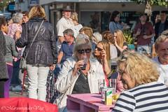 have a drink (Marjon van der Vegt) Tags: loosduinen feest muziek drinken eten gezellig
