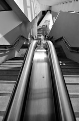 Shadow of your love... (modestino68) Tags: bn bw stazione station scale stairs donna woman uomo man ombre shadow gunsnroses