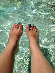 Tasty Goodie (Mr2D2) Tags: toes sexy sexyfeet pedi pool wife footfetish