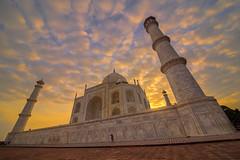 (Giulio Giuliani) Tags: agra uttarpradesh india building mosque taj mahal tajmahal sunset clouds
