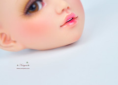 Lit details ❤ (♥..Nomyens..♥) Tags: bjd balljointdoll toy doll custom faceup paint painting painted repaint handmade nomyens nomyenscom unoa unoalusis msd lipdetails dollprogress dolltanskin tanskin japandoll