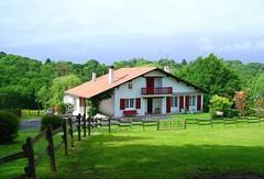 Guziena Gîte  G152135 à Bassussarry (gites64) Tags: location de vacances proche biarritz gîte côte basque